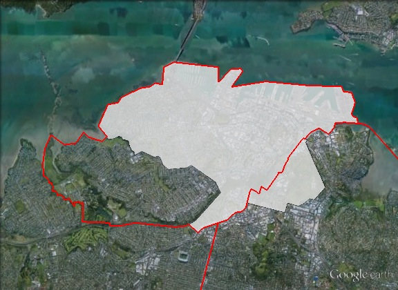 Map of Auckland Central's 2011 and 2014 boundaries. 2011 boundaries marked as red lines, 2014 boundaries marked as white area. Click to enlarge.